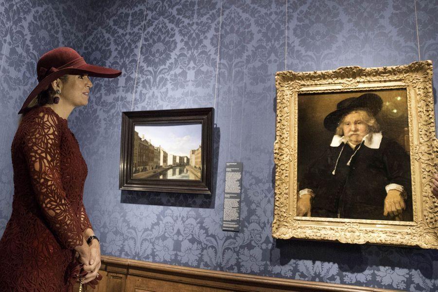 La reine Maxima des Pays-Bas au Mauritshuis à La Haye, le 4 octobre 2017