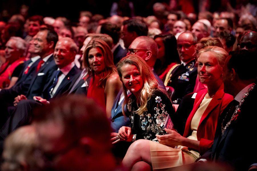 La reine Maxima et le roi Willem-Alexander des Pays-Bas avec la princesse Mabel à Amsterdam, le 16 mai 2018