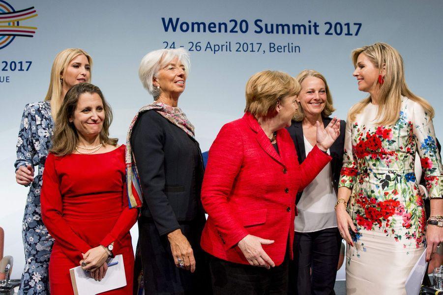 La reine Maxima des Pays-Bas avec Ivanka Trump, Chrystia Freeland, Christine Lagarde et Angela Merkel à Berlin, le 25 avril 2017