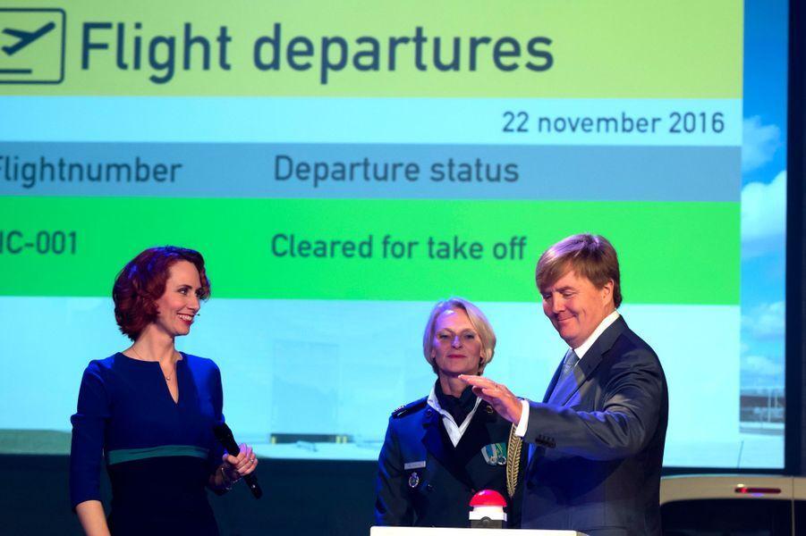 Le roi Willem-Alexander des Pays-Bas à l'Amsterdam Airport Schiphol, le 22 novembre 2016