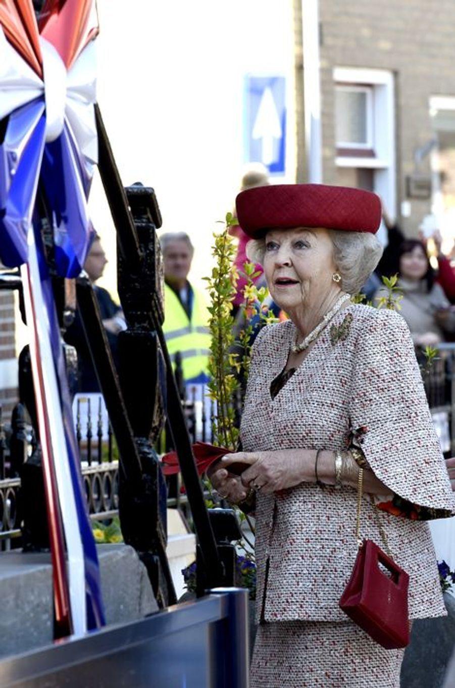 La princesse Beatrix des Pays-Bas à Oud-Vossemeer, le 20 avril 2016