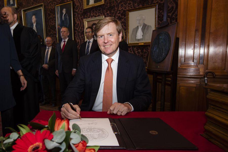 Le roi Willem-Alexander des Pays-Bas au Palais de la paix à La Haye, le 20 avril 2016