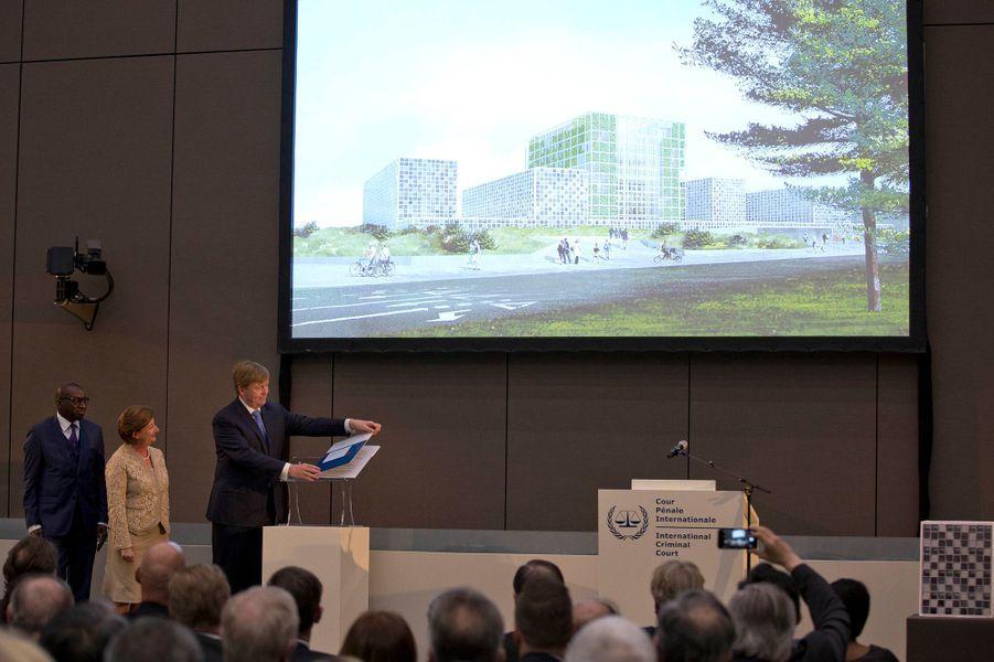 Le roi Willem-Alexander des Pays-Bas inaugure le nouveau complexe de l'ICC à La Haye, le 19 avril 2016