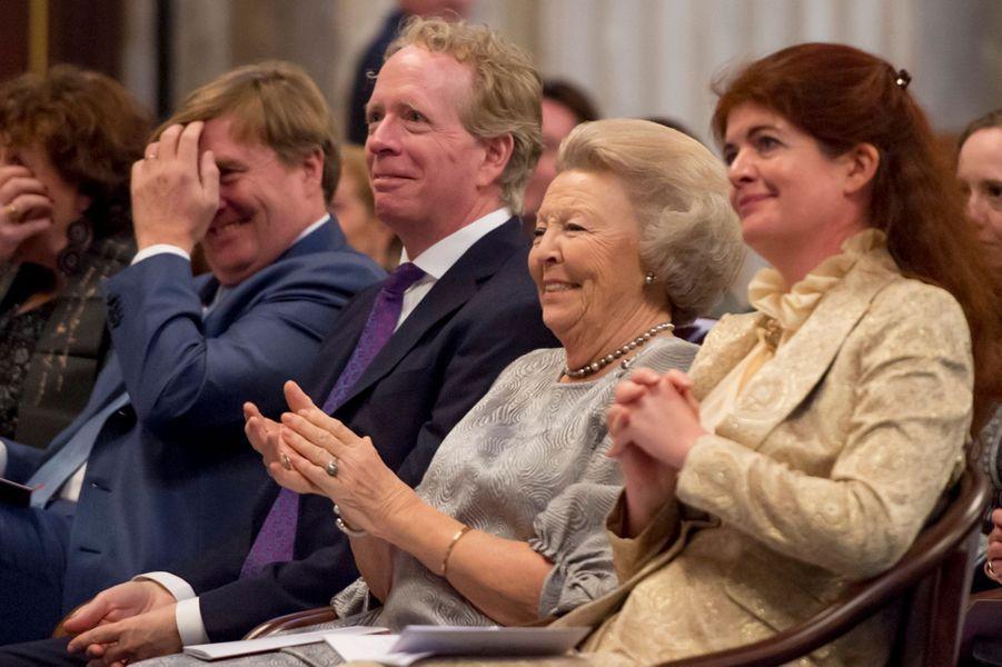 La princesse Beatrix et le roi Willem-Alexander des Pays-Bas à Amsterdam, le 28 novembre 2017
