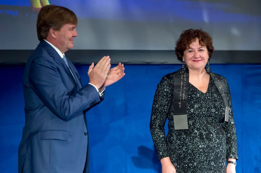 Le roi Willem-Alexander des Pays-Bas avec Michèle Lamont à Amsterdam, le 28 novembre 2017