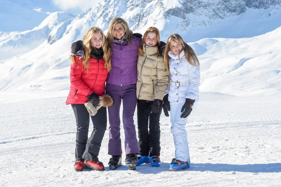 La reine Maxima et le roi Willem-Alexander des Pays-Bas avec leurs filles à Lech, le 26 février 2018