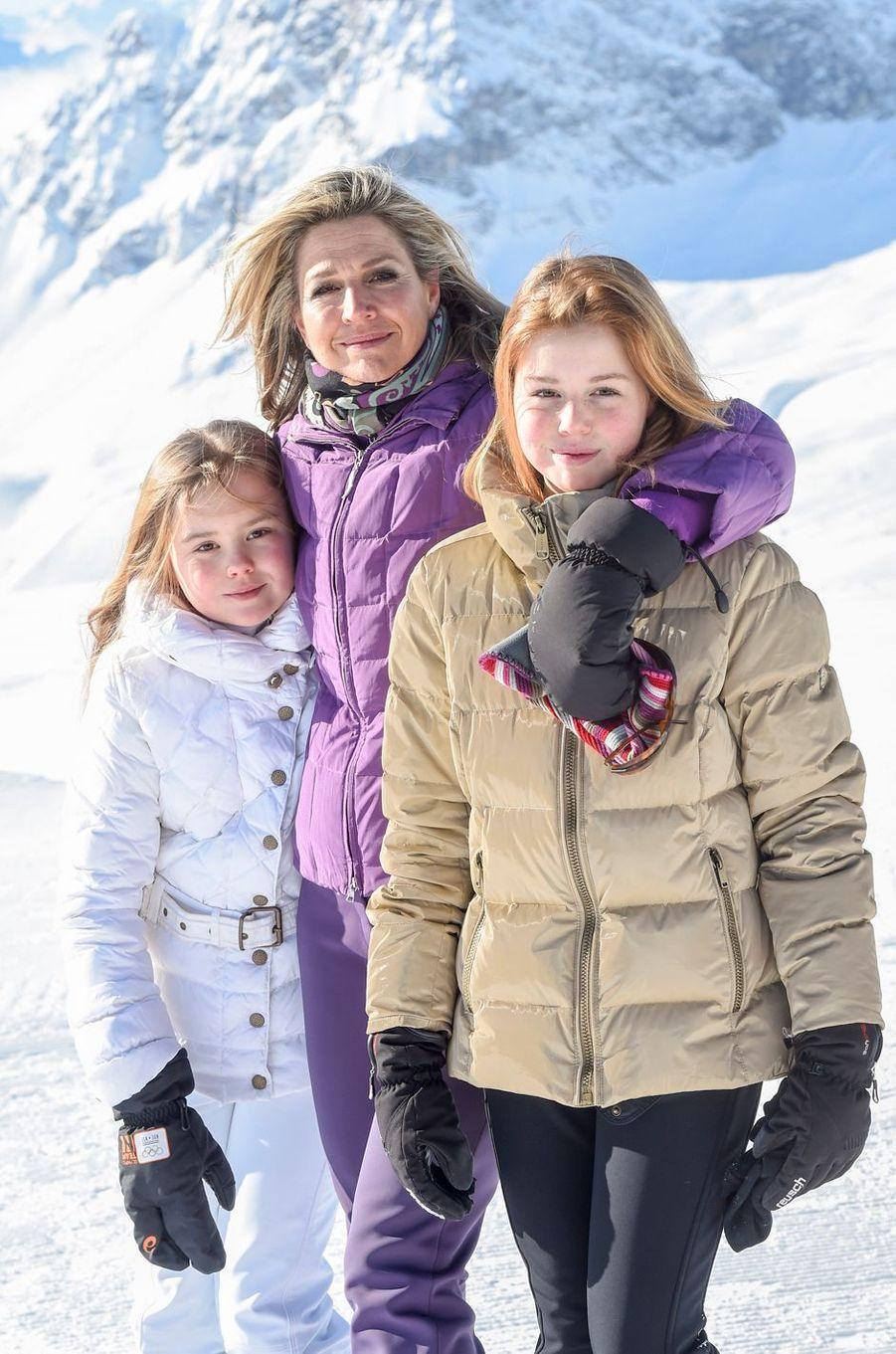 La reine Maxima des Pays-Bas avec les princesses Ariane et Alexia à Lech, le 26 février 2018