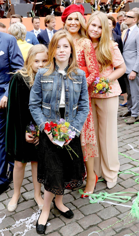 La reine Maxima des Pays-Bas et ses filles à Groningen, le 27 avril 2018