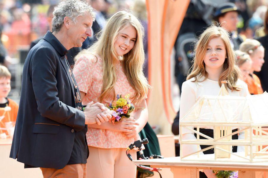 Les princesses Catharina-Amalia et Alexia des Pays-Bas à Groningen, le 27 avril 2018