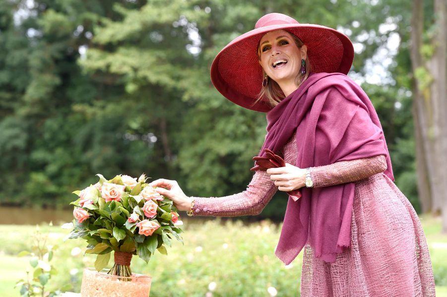 La reine Maxima des Pays-Bas, marraine d'une nouvelle rose à Winschoten, le 13 juin 2017