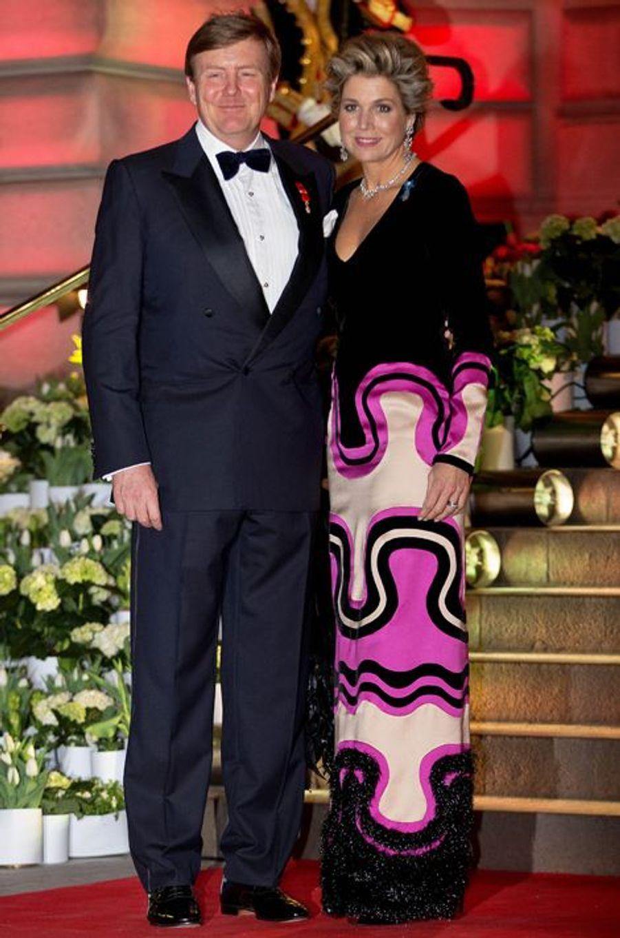 La reine Maxima des Pays-Bas, avec le roi Willem-Alexander, à Paris, le 11 mars 2016