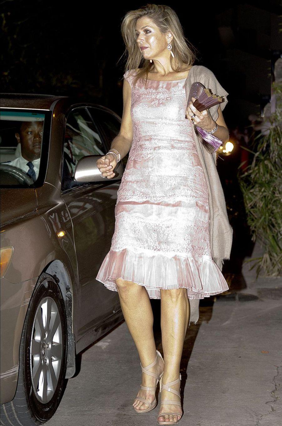 La reine Maxima des Pays-Bas en Valentino à Saba, le 1er décembre 2017