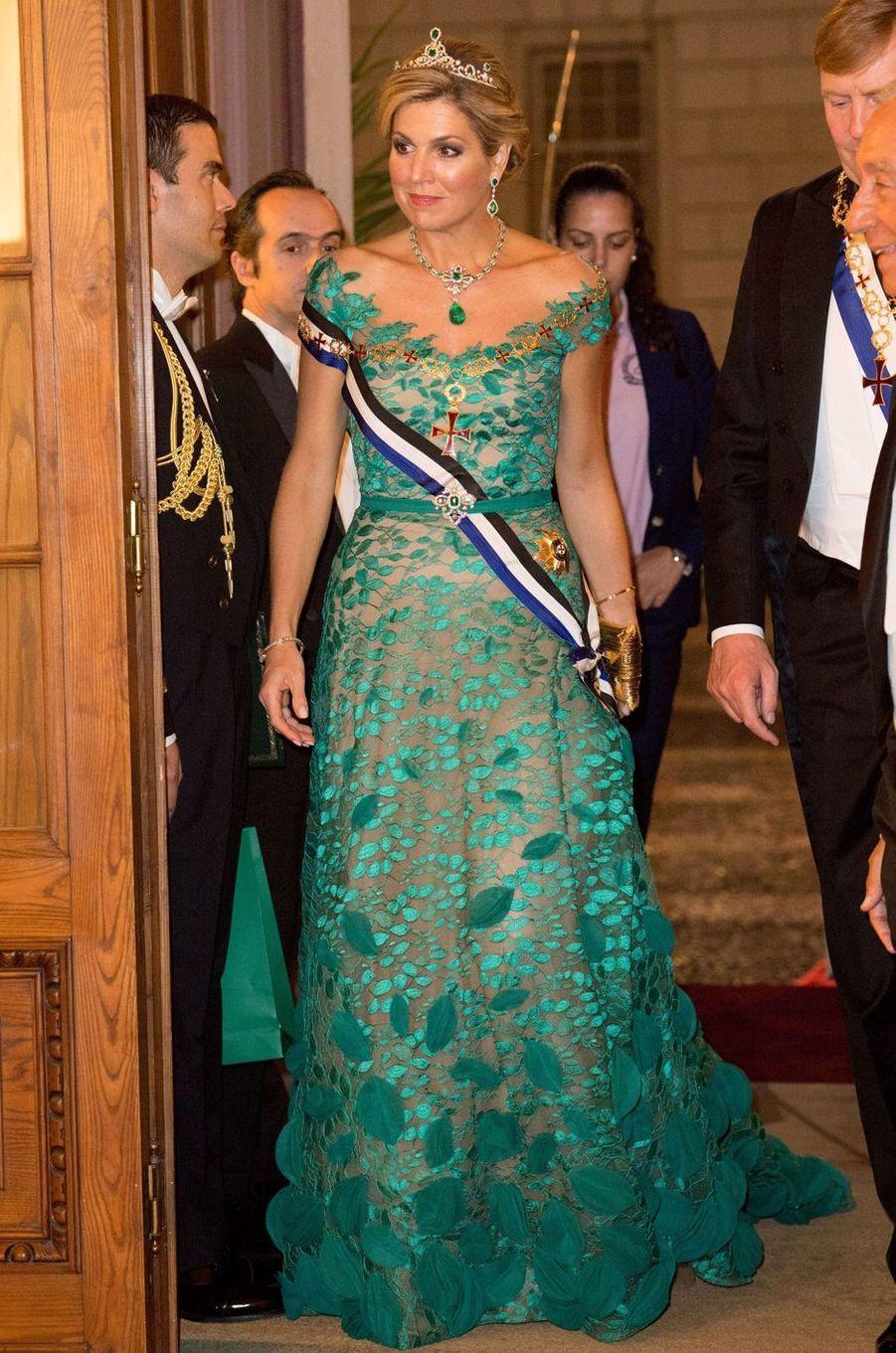 La reine Maxima des Pays-Bas dans une robe Jan Taminiau à Lisbonne, le 10 octobre 2017