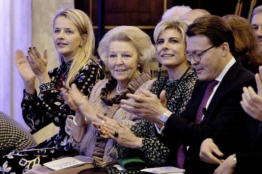 Les princesses Mabel, Beatrix et Laurentien et le prince Constantijn des Pays-Bas à Amsterdam, le 6 décembre 2017