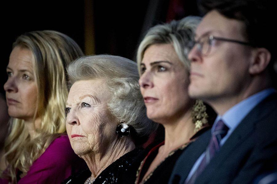 Les princesses Mabel, Beatrix, Laurentien et le prince Constantijn des Pays-Bas à Amsterdam, le 15 décembre 2016