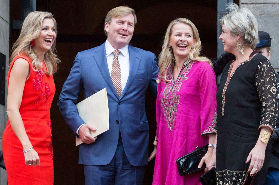La reine Maxima et le roi Willem-Alexander avec les princesses Mabel et Laurentien à Amsterdam, le 15 décembre 2016