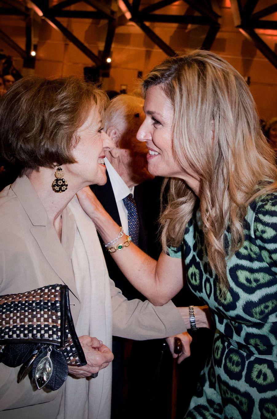 La reine Maxima des Pays-Bas avec sa mère Maria à Buenos-Aires, le 11 octobre 2016