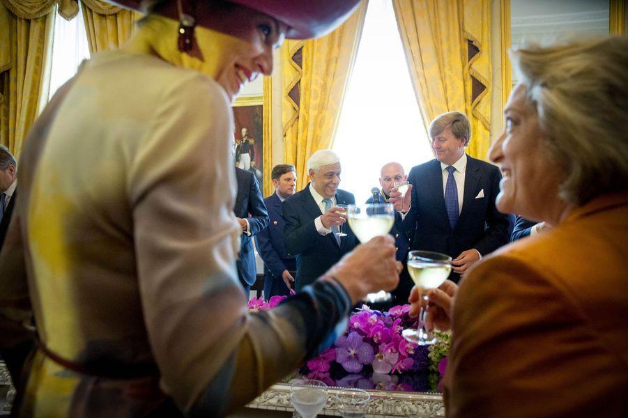 La reine Maxima et le roi Willem-Alexander des Pays-Bas avec Prokopis et Vlassia Pavlopoulos à La Haye, le 4 juillet 2016