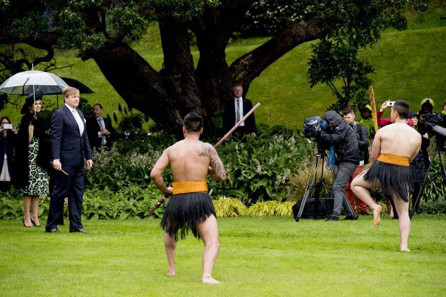 Cérémonie d'accueil traditionnelle maori pour la reine Maxima et le roi Willem-Alexander des Pays-Bas à Wellington, le 7 novembre 2016
