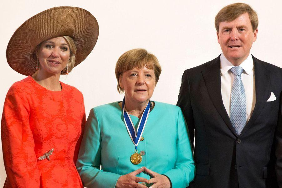La reine Maxima et le roi Willem-Alexander des Pays-Bas avec Angela Merkel à Middelburg, le 21 avril 2016