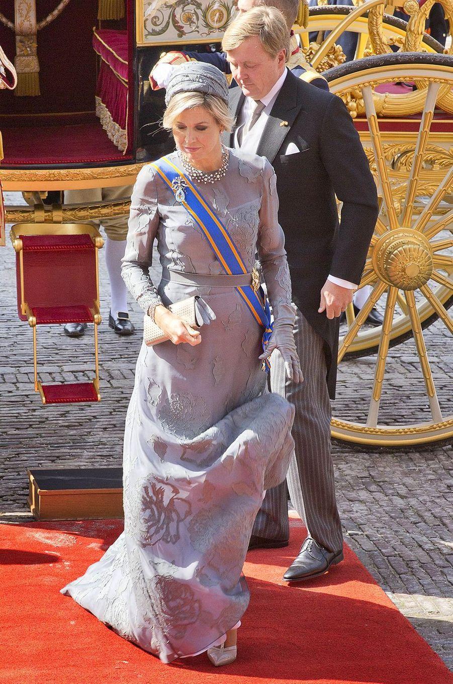 La reine Maxima des Pays-Bas dans une robe Natan pour le Prinsjesdag à La Haye le 19 septembre 2017