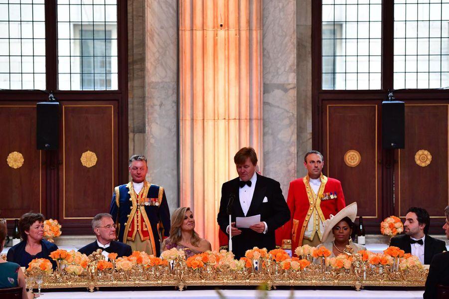 La reine Maxima et le roi Willem-Alexander des Pays-Bas à Amsterdam, le 28 avril 2017