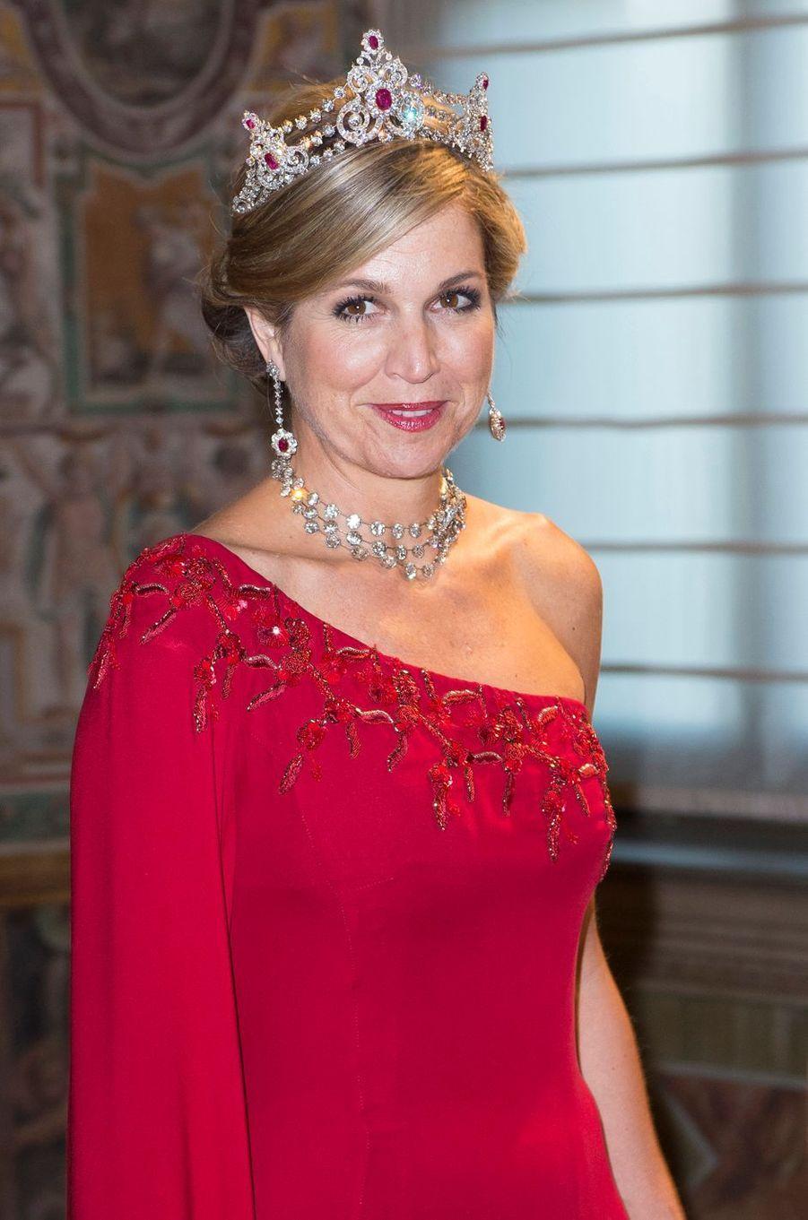 La reine Maxima des Pays-Bas parée de la tiare Mellerio en rubis et diamants à Rome, le 20 juin 2017