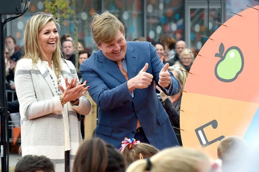 La reine Maxima et le roi Willlem-Alexander des Pays-Bas à Veghel, le 21 avril 2017