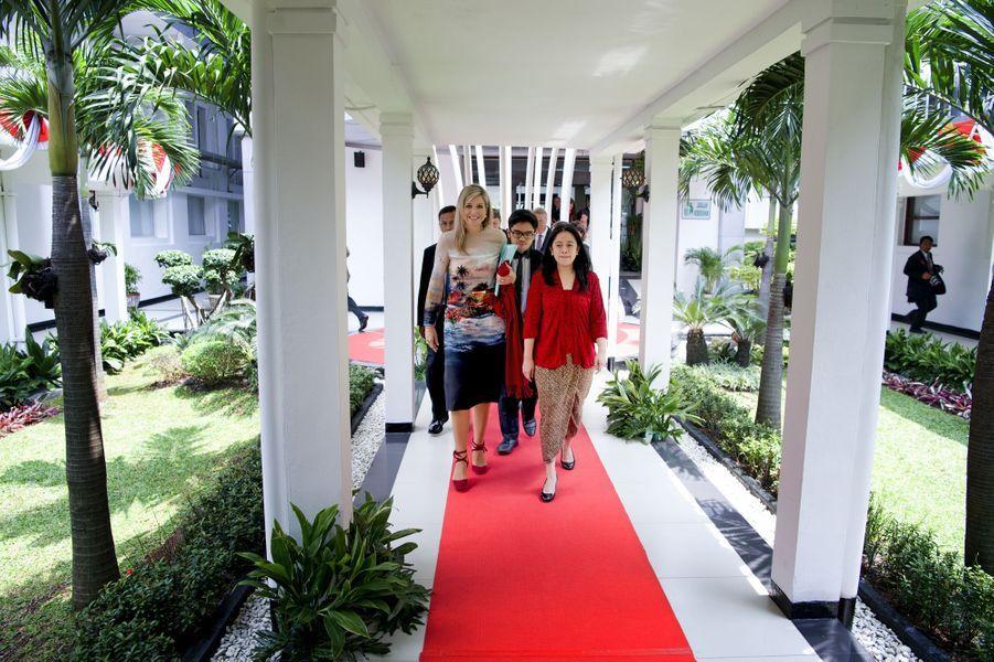 La reine Maxima des Pays-Bas avec la ministre indonésienne de la Culture à Jakarta, le 1er septembre 2016