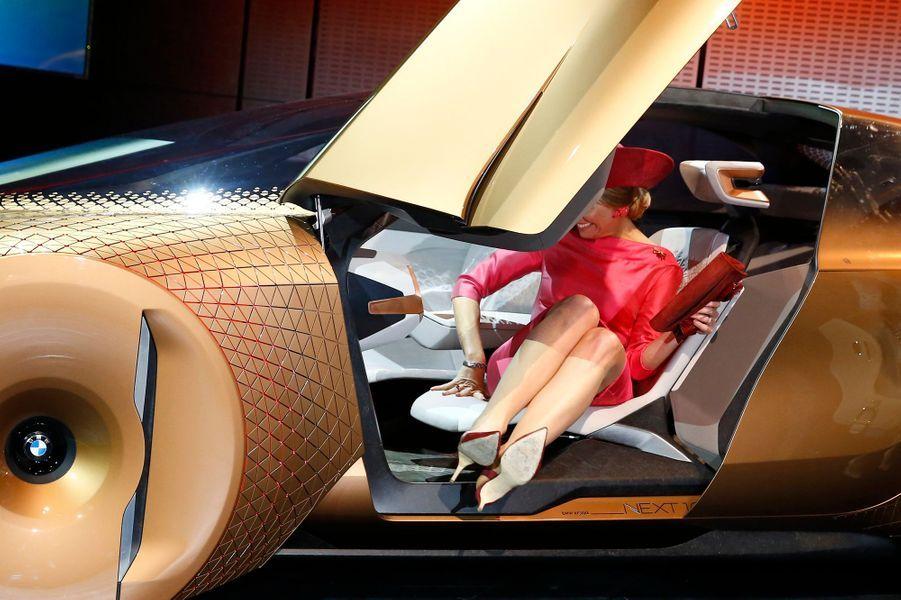 La reine Maxima des Pays-Bas au BMW Welt à Munich