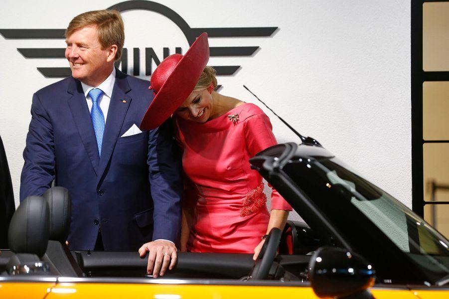 La reine Maxima et le roi Willem-Alexander des Pays-Bas au BMW Welt à Munich, le 13 avril 2016