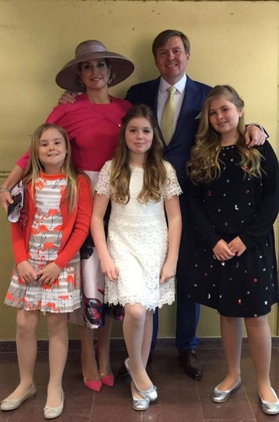 La reine Maxima et le roi Willem-Alexander des Pays-Bas avec leurs filles à Zwolle, le 27 avril 2016
