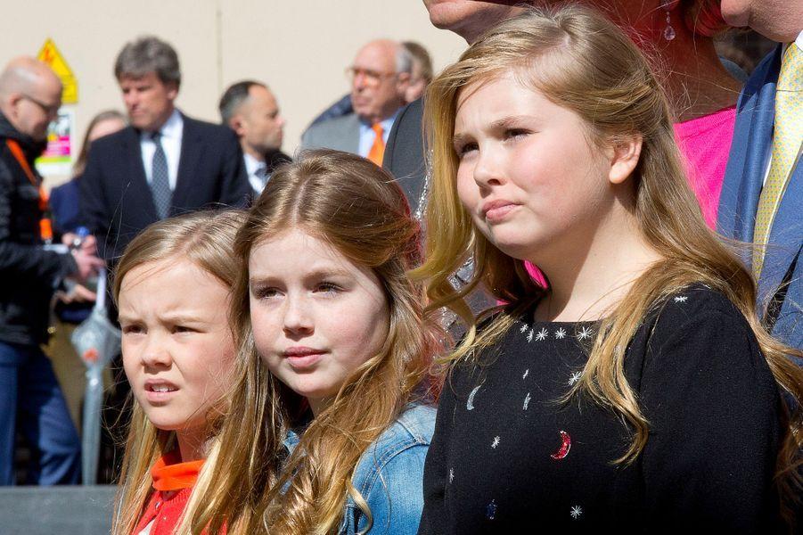 Les princesses Ariane, Alexia et Catharina-Amalia des Pays-Bas à Zwolle, le 27 avril 2016