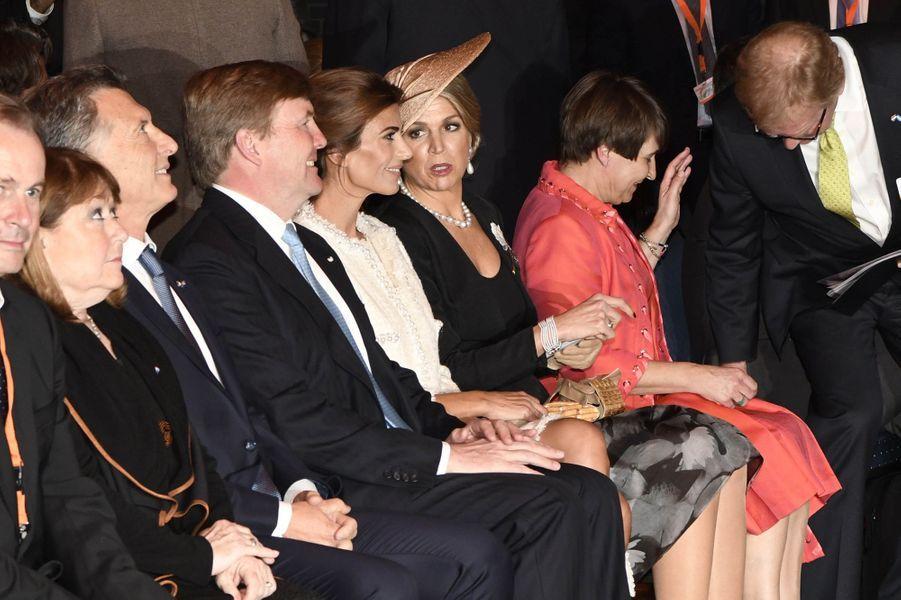 La reine Maxima et le roi Willem-Alexander des Pays-Bas avec Mauricio Macri et Juliana Awada à Amsterdam, le 27 mars 2017
