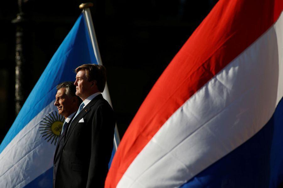 Le roi Willem-Alexander des Pays-Bas et Mauricio Macri à Amsterdam, le 27 mars 2017