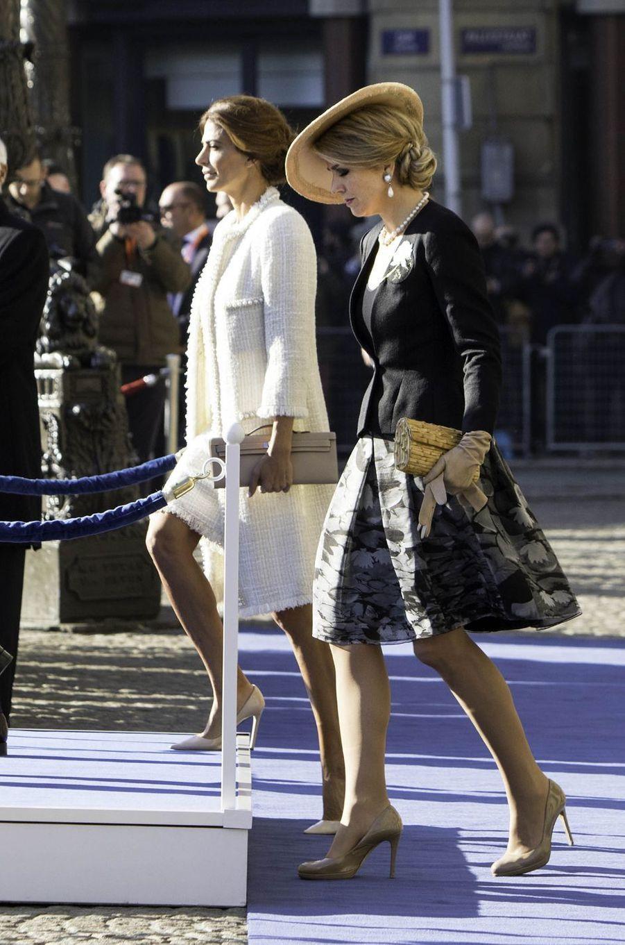 La reine Maxima des Pays-Bas avec la First Lady argentine Juliana Awada à Amsterdam, le 27 mars 2017