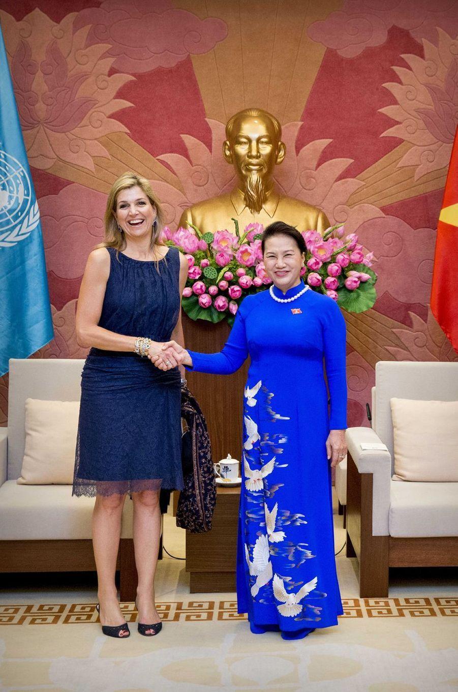 La reine Maxima des Pays-Bas avec la présidente de l'Assemblée vietnamienne à Hanoï, le 31 mai 2017