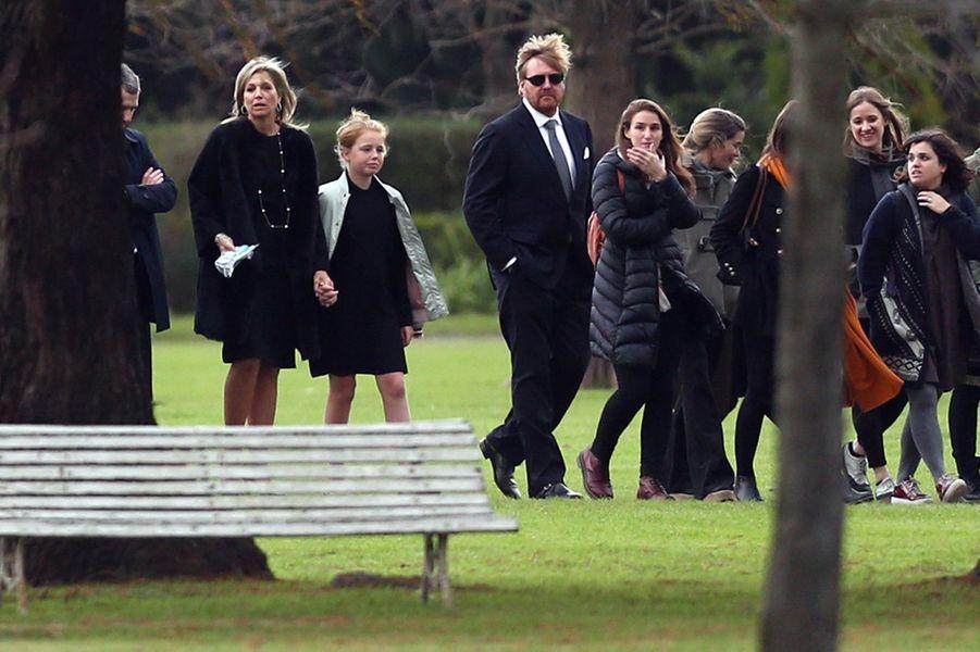 La reine Maxima des Pays-Bas avec sa famille aux funérailles de son père à Buenos Aires, le 10 août 2017