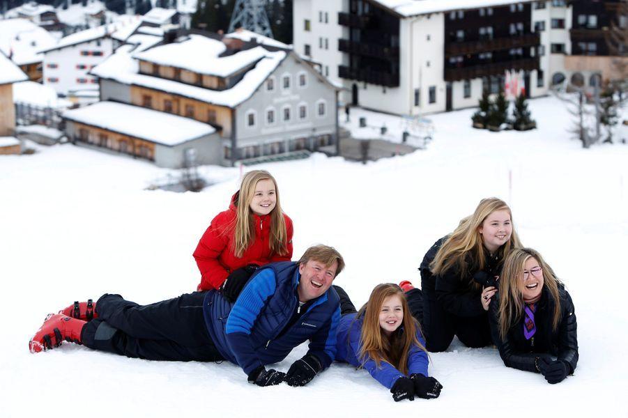 La reine Maxima des Pays-Bas en vacances à Lech en Autriche avec le roi Willem-Alexander et leurs filles, le 27 février 2017