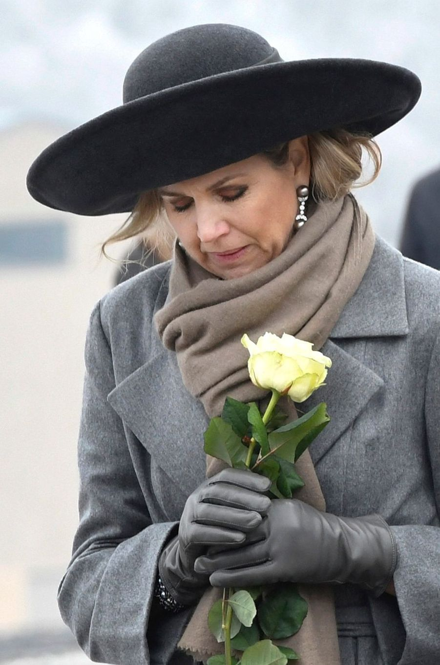 La reine Maxima des Pays-Bas dans l'ancien camp de concentration nazi de Buchenwald en Allemagne, le 8 février 2017