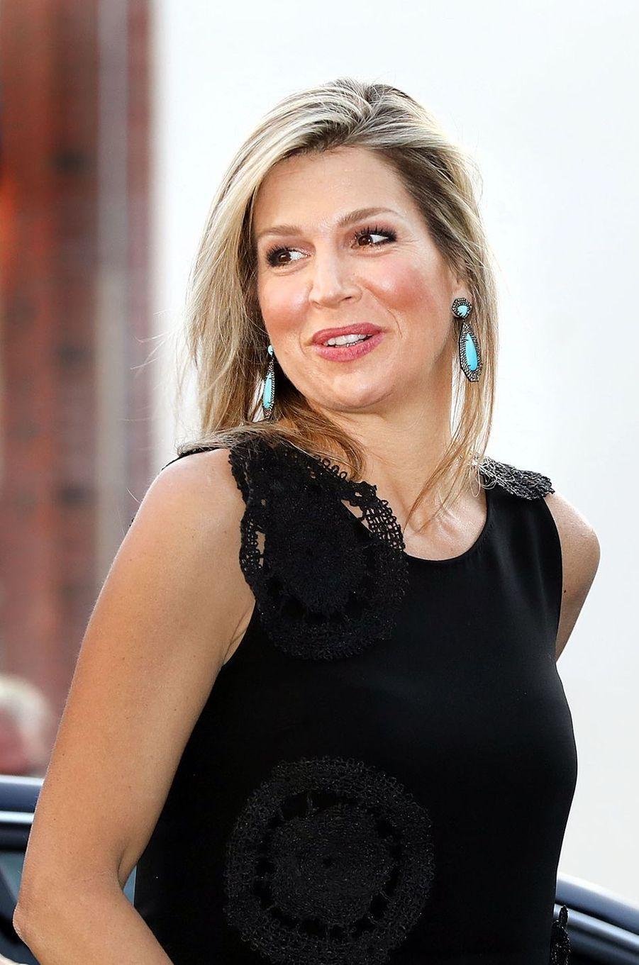 Les boucles d'oreille de la reine Maxima des Pays-Bas à Amsterdam, le 18 avril 2018