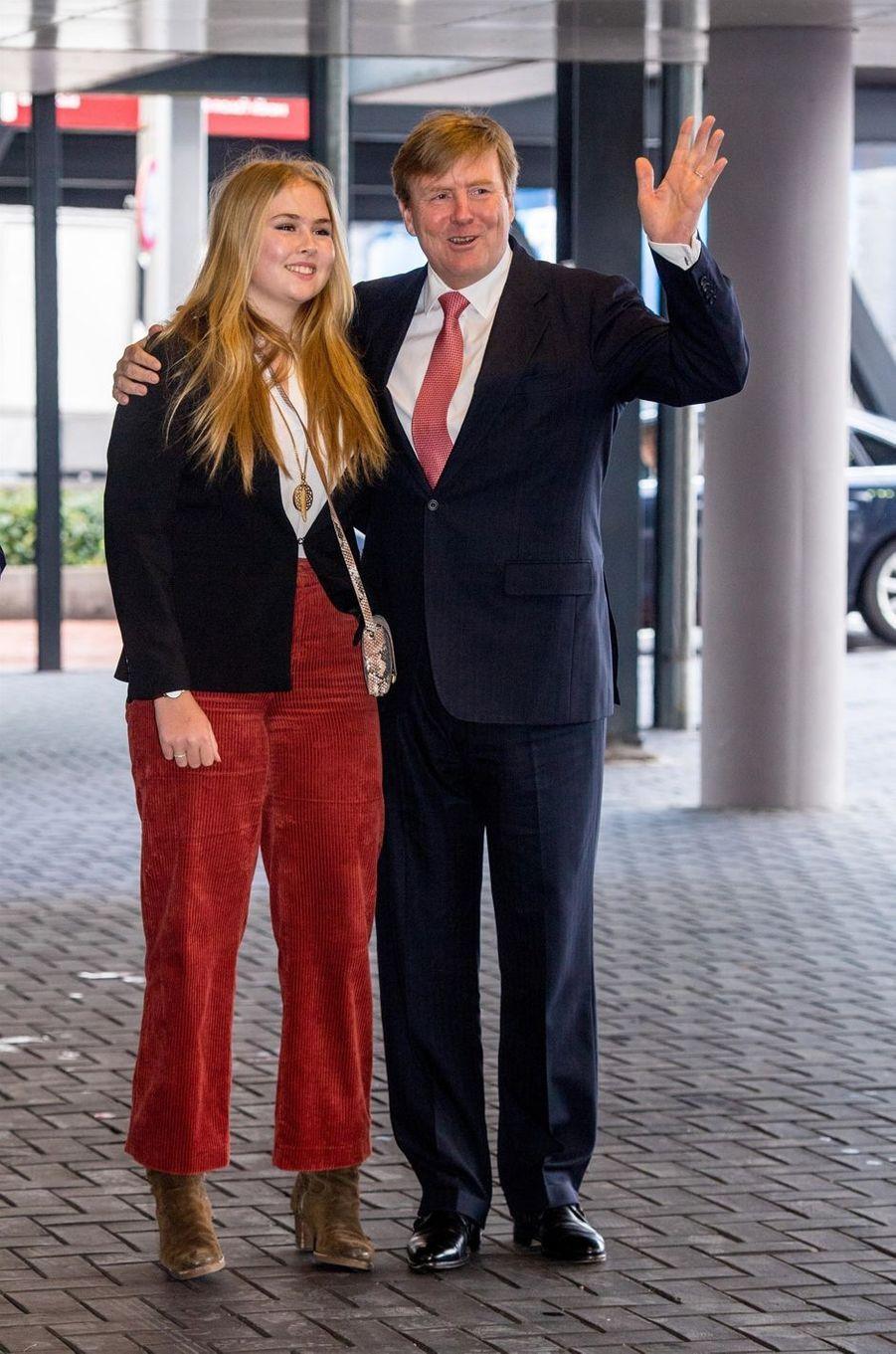 Le roi Willem-Alexander des Pays-Bas et sa fille aînée la princesse Catharina-Amalia à Amsterdam, le 27 janvier 2019