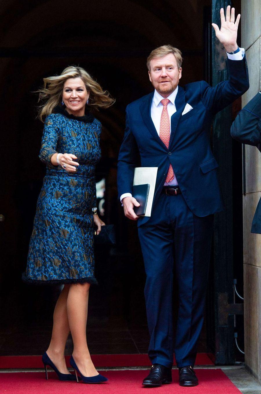 La reine Maxima des Pays-Bas dans une robe agrémentée de plumes le 14 janvier 2020