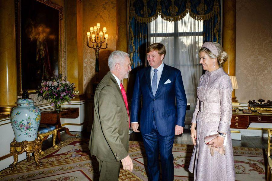 La reine Maxima et le roi Willem-Alexander des Pays-Bas avec Jeremy Corbyn à Londres, le 23 octobre 2018