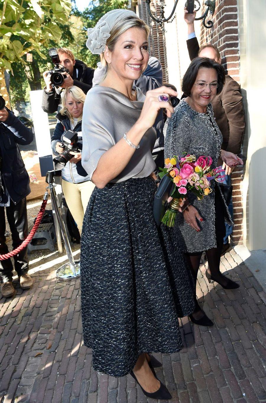 La reine Maxima des Pays-Bas vient inaugurer une exposition à Apeldoorn, le 5 octobre 2016