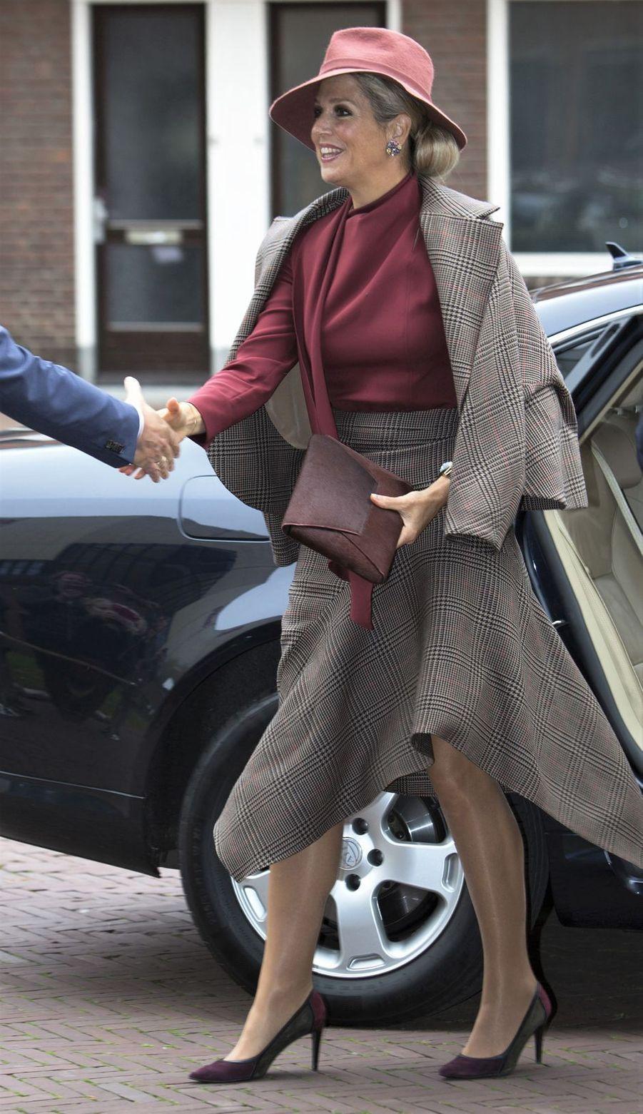 La reine Maxima des Pays-Bas dans un look automnal à Amersfoort, le 9 octobre 2019
