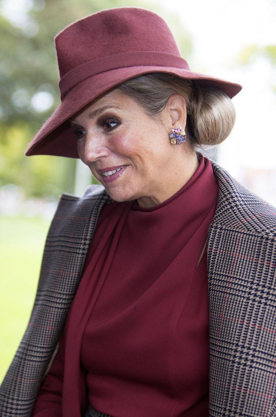 Les boucles d'oreilles de la reine Maxima des Pays-Bas à Amersfoort, le 9 octobre 2019