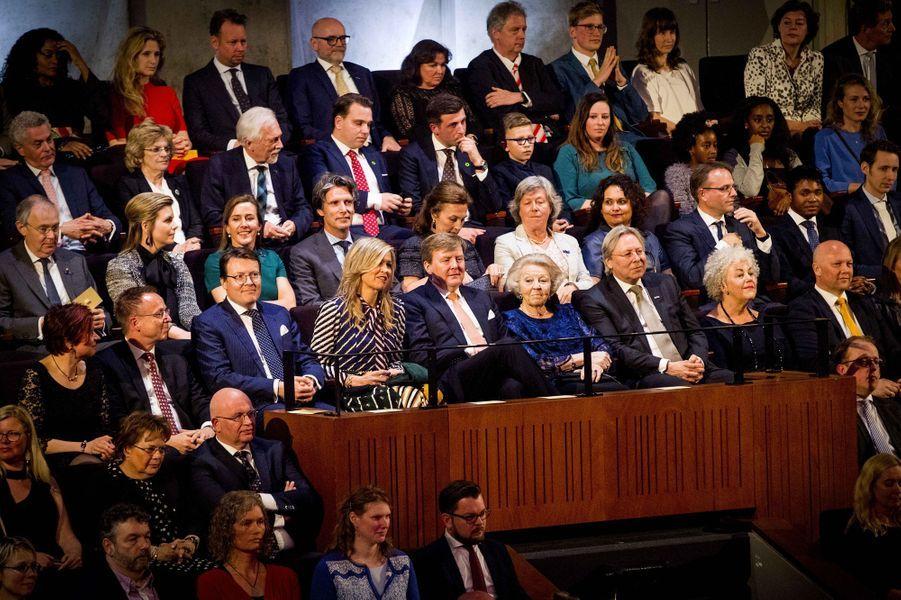 Le prince Constantijn, la reine Maxima, le roi Willem-Alexander et l'ex-reine Beatrix des Pays-Bas à Groningen, le 10 avril 2018