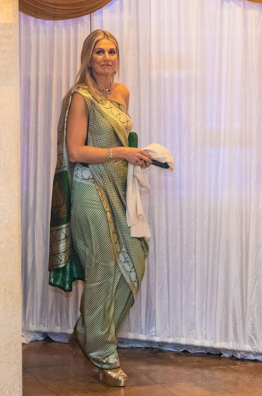 La reine Maxima des Pays-Bas dans un véritable sari indien en Inde, le 17 octobre 2019