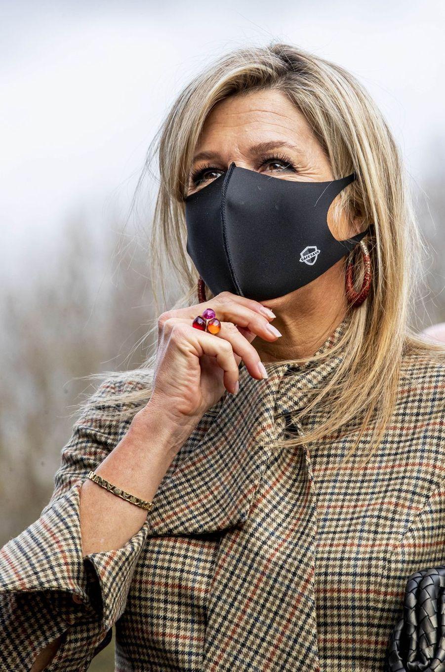 La reine Maxima des Pays-Bas, masquée, à Amsterdam le 5 novembre 2020